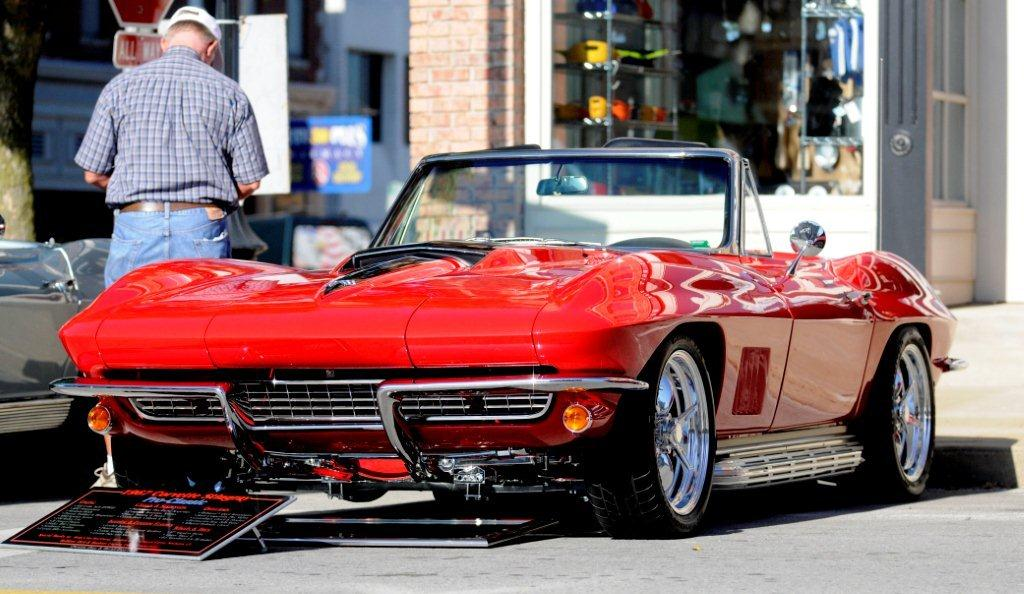 "2011 Camaro For Sale >> SOLD: Incredible '67 Corvette ""Pro-Classic"" Sting Ray ..."